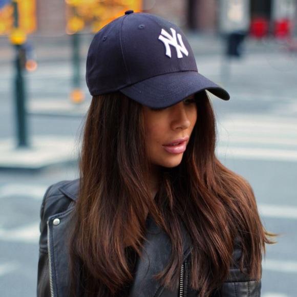 f0b16d85b7f85 New York Yankee baseball hat. M 5aecfb586bf5a6e8f879db24